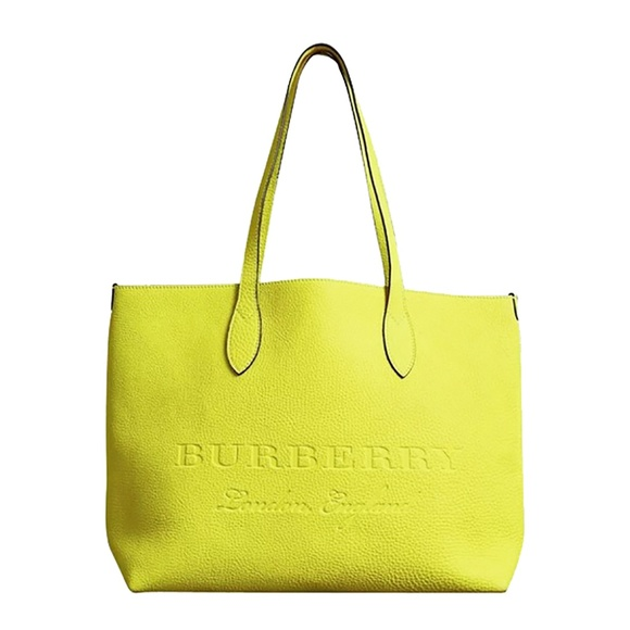 540ce7258e Burberry Bags   Large Remington Logo Leather Tote   Poshmark